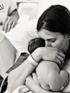 legame contatto neonato bonding